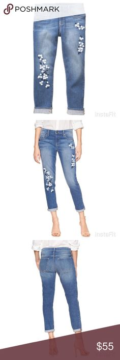 """GAP cropped floral embroidered girlfriend jeans Mid-rise. Waist measures 17"""" across, measures lying flat. 99% cotton 1% spandex. Worn once. Excellent condition and super cute! Sold out online. GAP Jeans Ankle & Cropped"""