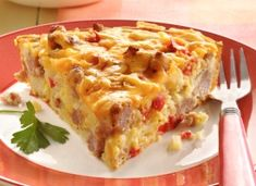 Ingredients 1 package (12 oz) bulk pork sausage 1 small bell pepper, chopped (1/2 cup) 1 medium onion, chopped (1/2 cup) 1 1/2 cups frozen shredded hash brown potatoes 1 cup shredded Cheddar cheese (4 oz) 1/2 cup Original Bisquick® mix 1 cup milk 1/8 teaspoon pepper 2 eggs