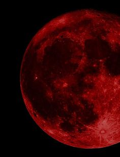 a blood moon recalls the blood red ground of  Crimson Peak | 10.16.15