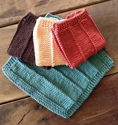 This project uses both knit and purl stitches and is a great beginner project. The dk weight cotton is soft and absorbant. They are quick to knit. Make three, tie them together with a slice of homemade soap and you have a lovely gift.