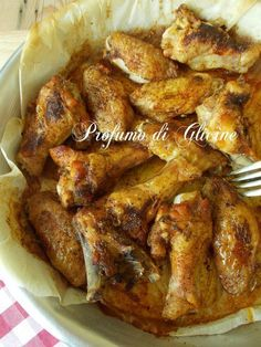 Spicy baked chicken wings simple and cheap recipe .-Alette di pollo piccanti al forno ricetta semplice ed economica The spicy baked chicken wings are a quick and easy second course. Do not overlook the fact that they are very good and cheap. Spicy Baked Chicken, Pollo Chicken, Chicken Wings Spicy, Baked Chicken Nuggets, Spicy Wings, Cheap Meals, Easy Meals, Meat Recipes, Chicken Recipes