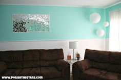 Polish The Stars: Shattered Mirror Art. Great idea for using an old broken mirror or maybe a cheap find at a garage sale/thrift store! Broken Mirror Art, Mirror Wall Art, Broken Glass, Kids Room Lighting, Room Lights, Hallway Wall Decor, Diy Wall, Living Room Mirrors, Furniture Placement