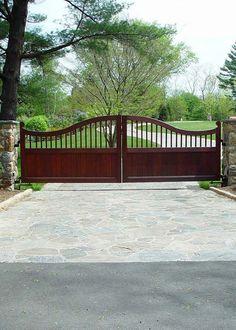 Steel Gate Design, Front Gate Design, Front Gates, Entry Gates, Wooden Farm Gates, Outdoor Living, Outdoor Spaces, Outdoor Decor, Driveway Entrance