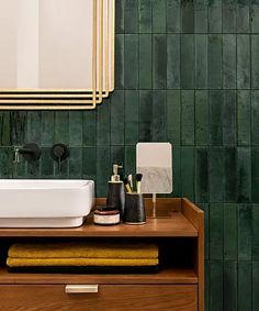 Zellica Forest Green Tile x Black Tile Bathrooms, Dark Green Bathrooms, Green Bathroom Tiles, Morrocan Bathroom, Bad Inspiration, Bathroom Inspiration, Art Deco Bathroom, Master Bathroom, Bathroom Interior Design