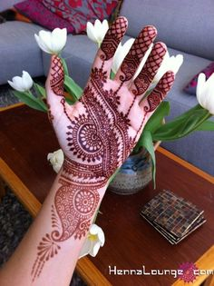 Beautiful bridal henna Check out more desings at: http://www.mehndiequalshenna.com/