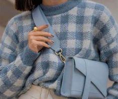 338 immagini di ブルー / Blue su We Heart It | Vedi altro su blue, aesthetic e pastel Fashion Mode, Fashion Week, New York Fashion, Look Fashion, Winter Fashion, Fashion Outfits, Fashion Tips, Fashion Trends, Girl Fashion