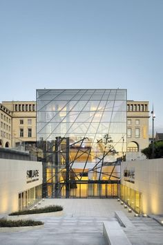 SQUARE Brussels Meeting Centre by A2RC Architects - Image by Georges De Kinder