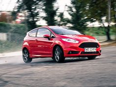 Ford Fiesta ST in motion #ford #fiesta #motion more: http://premiummoto.pl/09/09/ford-fiesta-st-nasza-sesja