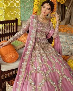 Bridal Mehndi Dresses 2020 - Pakistani Wedding Dresses for Brides Pakistani Wedding Outfits, Wedding Dresses For Girls, Pakistani Wedding Dresses, Pakistani Dress Design, Bridal Outfits, Pakistani Designers, Wedding Suits, Mehndi Outfit, Mehndi Dress