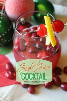 Jingle Juice Cocktail is the perfect holiday drink recipe! www.thefarmgirlgabs.com