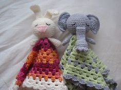 Baby blanket with stuffed animal.... this website gives instructions for several variations (doll, sheep, owl, bunny, elephant, kitten) and looks like a super easy, fast, and fun baby present!