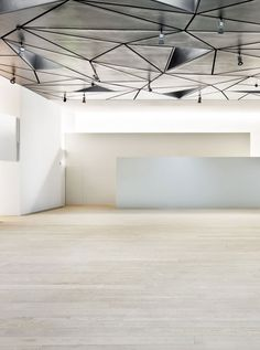 Ceiling design - ABC Museum, Illustration and Design Center / Aranguren & Gallegos Architects Ceiling Detail, Ceiling Design, Lobby Interior, Interior And Exterior, Architecture Details, Interior Architecture, Modern Decor, Modern Design, Interior Cladding