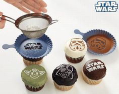 this is like star wars nerd bliss. cupcakes AND yoda.