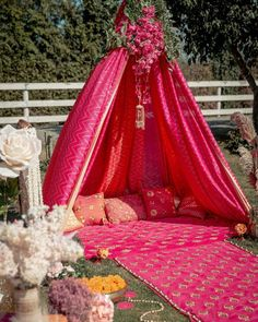 Mehendi Decor Ideas, Mehndi Decor, Mehndi Ceremony, Haldi Ceremony, Wedding Ceremony, Wedding Scene, Wedding Receptions, Wedding Events, Tent Decorations