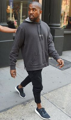 Here is Kanye West Outfit Collection for you. Kanye West Outfit kanye west military outfit how to get it highsnobiety. Kanye West O. Kanye West Style, Kanye West Shirt, Kanye West Outfits, Best Mens Fashion, Dope Fashion, Fashion Sale, Fashion Outlet, Paris Fashion, High Fashion