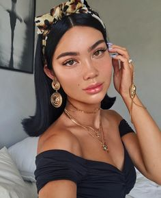 Hair Accessories 64 Adorable Short Hair Updos That Are Supremely Easy To Copy Short Hair Updo, Curly Hair Styles, Natural Hair Styles, Short Hair Makeup, Skin Makeup, Beauty Makeup, Hair Beauty, Makeup Art, Grunge Hair