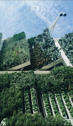 "30 Amazing Green Building Architecture Design Ideas - The latest trend in new home construction is ""green building"". Most people equate green building with efficient or renewable materials. Architecture Design, Green Architecture, Landscape Architecture, Landscape Design, Building Architecture, Japanese Architecture, Urban Landscape, Ideas Terraza, Green Facade"