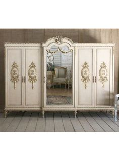 been wanting one similar for my dressing room (spare bedroom)...must learn how to make!