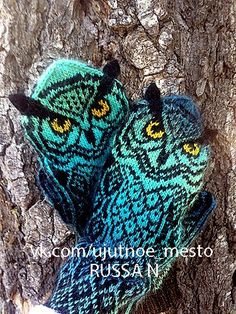 Ravelry: Owl Around pattern by Natalia Moreva - Mittens Knitted Mittens Pattern, Knitted Owl, Knit Mittens, Knitted Gloves, Knit Crochet, Knitting Patterns, Crochet Patterns, Knitting Short Rows, Mittens