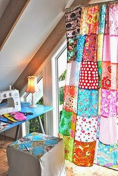 curtain patchwork - love these! I have patchwork curtains in my house and studio! Hippie House, Hippie Home Decor, Gypsy Decor, Cortinas Country, Cortinas Boho, Patchwork Curtains, Colorful Curtains, Sewing Curtains, Patchwork Quilting
