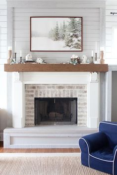Fireplace Makeover Inspiration From The Lettered Cottage ; kamin makeover inspiration aus der beschrifteten hütte Fireplace Makeover Inspiration From The Lettered Cottage ; Farmhouse Fireplace Mantels, Diy Fireplace, Living Room With Fireplace, Fireplace Design, Cottage Fireplace, Fireplace Makeovers, Small Fireplace, Fireplaces With Tv Above, Concrete Fireplace