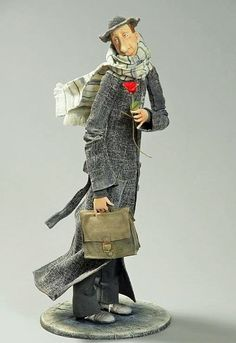 Paper mâché figure I like the materials and motion you can see in this sculpture. Paper Mache Sculpture, Soft Sculpture, Clay Dolls, Art Dolls, Anatomy Sculpture, Marionette, Call Art, Unusual Art, Doll Maker