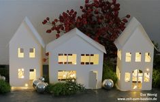 Freebie – leuchtende Häuserdeko Freebie – cute light house – houses with template as PDF or free SVG – www.zeit-to-bast … Net Lights, Xmas Lights, Free Svg, Decoration Plante, Pumpkin Decorating, Handicraft, Pin Collection, Most Beautiful Pictures, Diy Gifts
