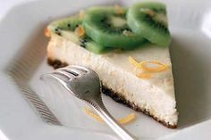 8 make ahead desserts - Ricotta Cheesecake with Ginger and Kiwi Kiwi Recipes, Easter Recipes, My Recipes, Favorite Recipes, Recipies, Skinny Recipes, Amazing Recipes, Make Ahead Desserts, Great Desserts