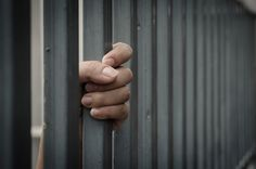 Suicide in prisons: prevalence and contributing factors in high-income countries http://qoo.ly/jiwm6