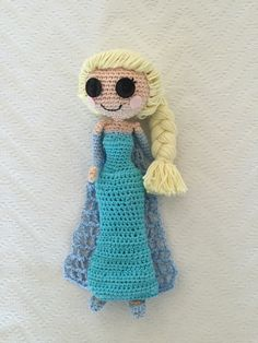 Crochet Elsa - pattern from https://www.etsy.com/nl/listing/191170831/pattern-2-pack-anna-and-elsa-frozen?ref=shop_home_active_1