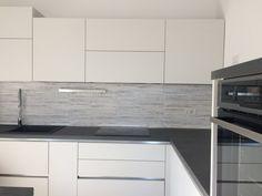 La mia cucina Lube Kitchens, Kitchen Cabinets, Home Decor, Houses, Restaining Kitchen Cabinets, Homemade Home Decor, Kitchen, Kitchen Base Cabinets, Home Kitchens