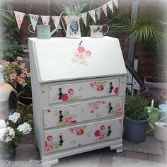 Shabby-Chic-Vintage-Cath-Kidston-solid-wood-Desk-Bureau-with-drawers-Annie-Sloan