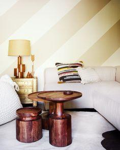 Striped wallpaper wi