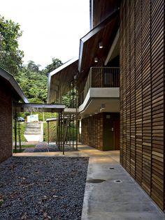 Pulau Banding Rainforest Research Centre / C&arch