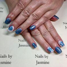 Christmas snow flake blue nails