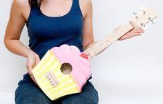 whos that playing Ukulele  | Cupcake Ukulele – Kawaii Music Stuff | Hawaii Kawaii Blog