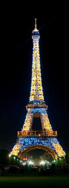 Restaurants in the Eiffel Tower in Paris France USA Today Paris At Night, Paris 3, I Love Paris, Paris City, Montmartre Paris, Torre Eiffel Paris, Paris Eiffel Tower, Eiffel Towers, Eiffel Tower Lights
