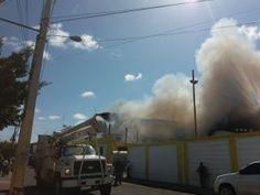 Fuego afecta Almacenes Iberia en San Pedro de Macorís