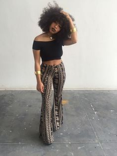 natural hair and stylish outfit