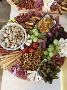 Snacks Für Party, 20th Birthday, Up Halloween, Finger Foods, Sausage, Grilling, Stuffed Mushrooms, Food And Drink, Menu