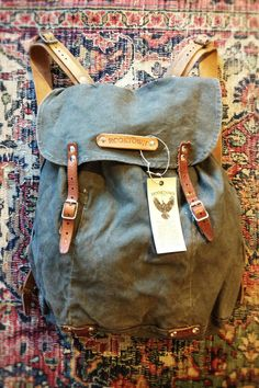 Rooktown backpack made from re-used canvas and leather from world war II. http://654.se/varumarken/rooktown/