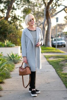 Inspired by Lauren Hutton's sporty casual style, I've remixed some wardrobe favorites including comfortable slip-on sneakers from Vince. Sneakers Fashion Outfits, Sporty Outfits, Fashion Clothes, Black Outfits, Casual Clothes, Winter Clothes, Fashion For Women Over 40, Casual Looks, Womens Fashion
