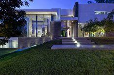Decor Salteado - Blog de Decoração | Design | Arquitetura | Paisagismo: Fachadas de casas modernas com paisagismo e iluminação!