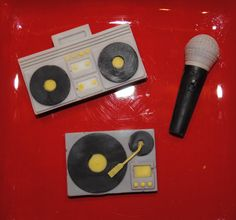Stereo Microphone & Record Player Chocolates by Bombons on Etsy, $10.00
