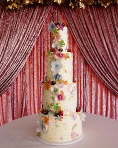 Flavours of tiers infused with lemon, salted caramel, and vanilla & strawberry. Perfectly decorated with handcrafted flowers using wafer paper and apple flowers. Apple Flowers, Cakes Today, Wafer Paper, Tiered Cakes, Favours, Macarons, Yummy Treats, Flower Power, Caramel