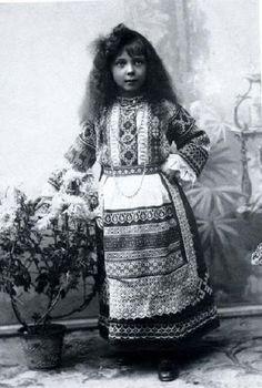 in tradional dress photo YGP9205.jpg