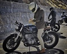 #crd61 by @caferacerdreams + Pery by @sinabrochar #motorcycle #motorcycles #crd #caferacerdreams #bmw #r100 #crdandtudorteam #tudotwatch #TheBikeOfLove