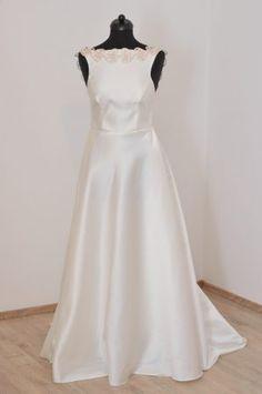 Hanna menyasszonyi ruha  beautiful new bridal gown from the tündEszter collection  www.tundeszter.hu www.hagyomanyorzobolt.com Formal Dresses, Wedding Dresses, Bridal Gowns, One Shoulder Wedding Dress, Beautiful, Collection, Fashion, Dresses For Formal, Bride Dresses