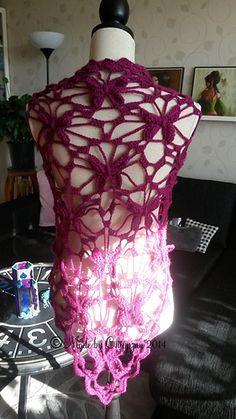 Ravelry: Virkad Fjärilssjal / Butterfly Shawl pattern by Made By Chippzan