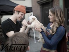 The Flash's Grant Gustin and Supergirl's Melissa Benoist take Variety behind-the-scenes in exclusive photos from crossover episode Worlds Finest Flash Y Supergirl, Supergirl Superman, Comics Anime, Dc Comics, Melissa Benoist, Entertainment Weekly, Flash Crossover, Cw Crossover, Supergirl Crossover
